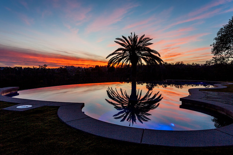 La-Gracia-pool-view-at-dusk